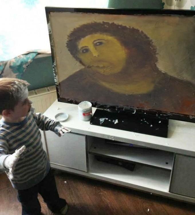 ecce homo Niño mancha pantalla de televisor