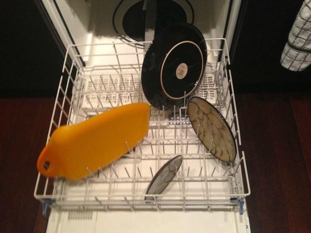 lavatrastes con muy pocos trastes