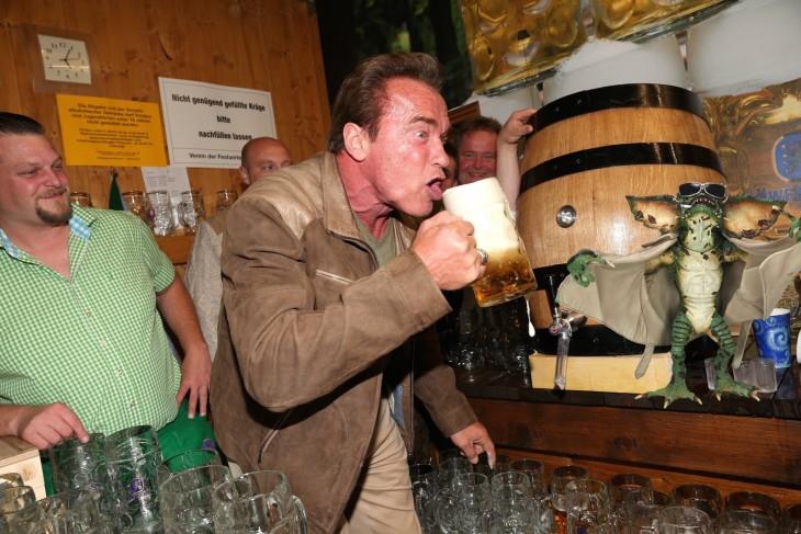 Arnold Schwarzenegger estuvo en el Oktoberfest e ¡Internet lo Trolleo! (21)