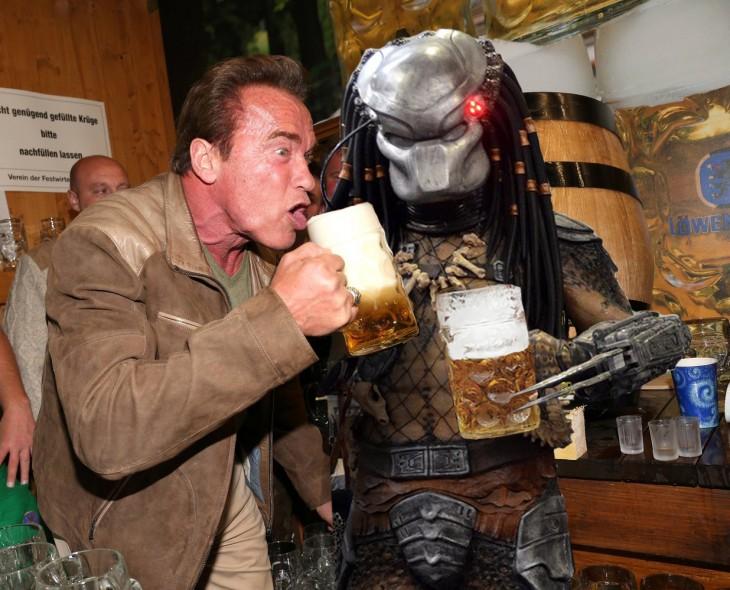Photoshop de Schwarzenegger con Depredador