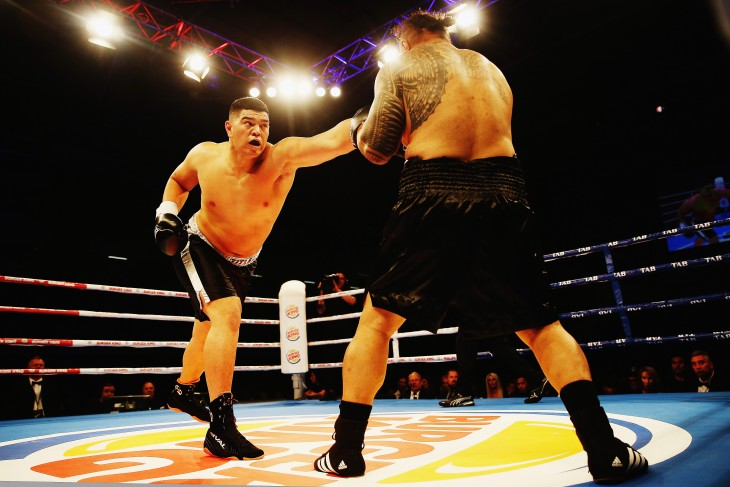 pelea entre Willis Meehan y Leamy Tato