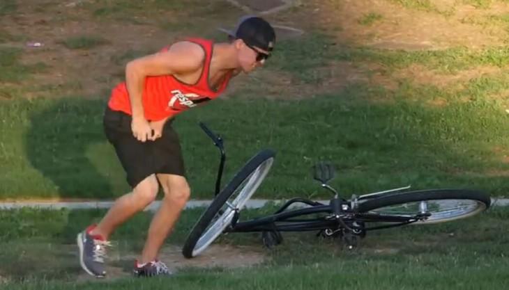 joven se golpea por intentar robarse una bicicleta