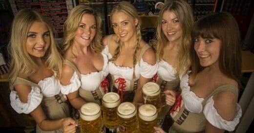 Las Bellezas Alemanas del Oktoberfest 2015 ¡Cerveza y Mujeres!
