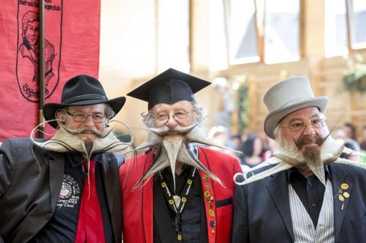 Hombres con barbas exóticas