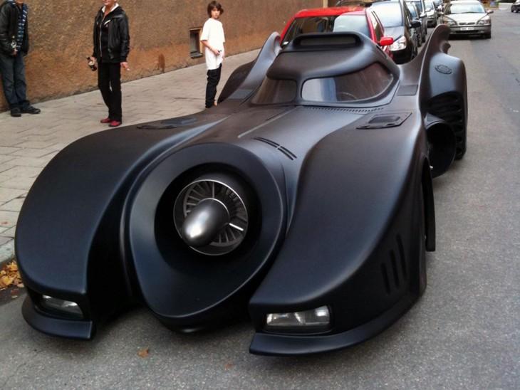 Batimóvil en la calle