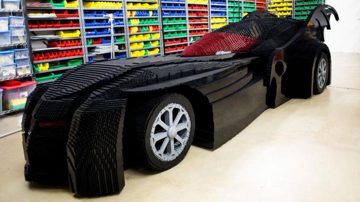 Batimóvil hecho con Lego