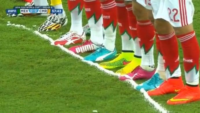 botas de futbol colores fosforescentes