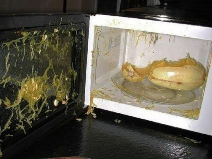 comida explota en microondas