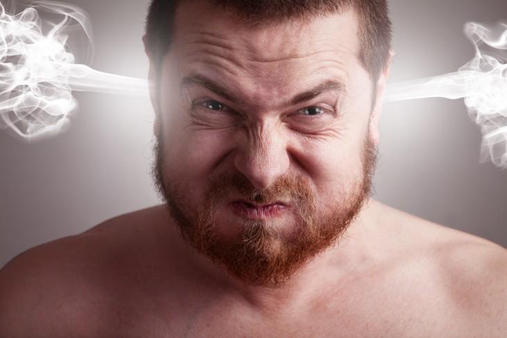 Hombre furioso