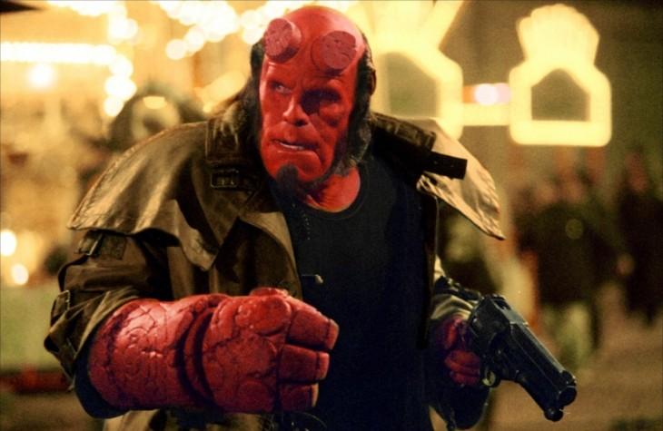 Hellboy con pistola