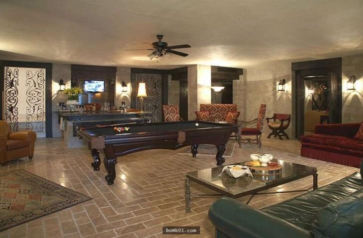 Sala de juegos en mansión