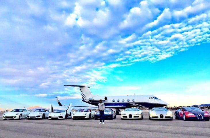 los autos super deportivos y el avion de floyd mayweather