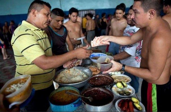 Venta de comida en prisión
