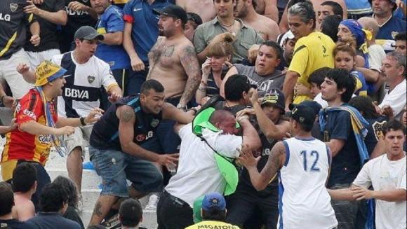 pelea de borrachos en partido de futbol
