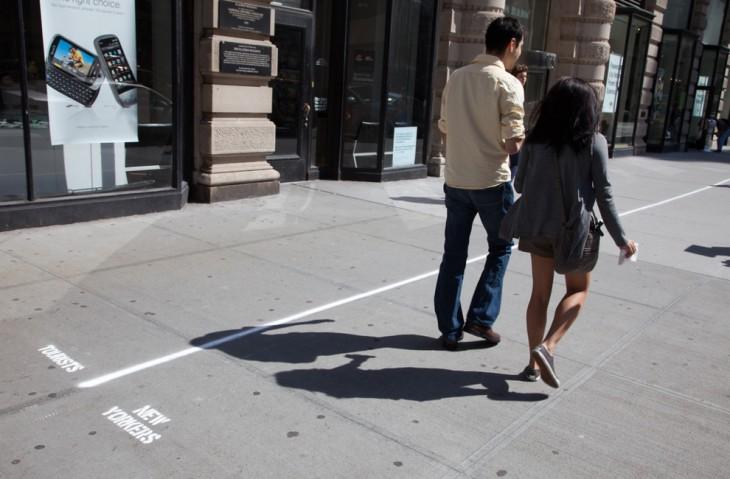 gente caminando por liverpool