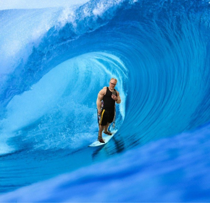 Photoshop de Adam Savage surfeando