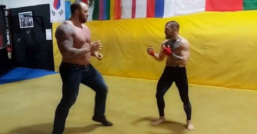 Conor Mcgregor entrena con 'The Mountain' de Game of Thrones