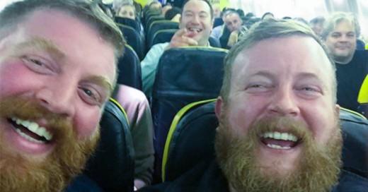 Increíble: Subió a un avión... ¡y se encontró con su doble!