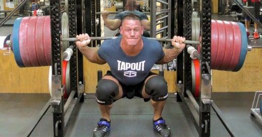 John Cena rompe un record de levantamiento de pesas como si no fuera nada difícil!