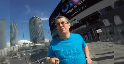 Le prestó su GoPro a su Papá para que grabara su Viaje a Las Vegas; Esto fue lo que pasó...