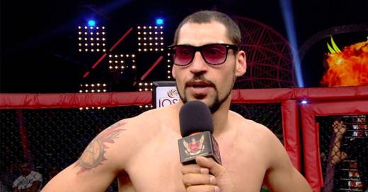 Luchador Engreído de MMA entra al Ring ¡Y lo noquean en 9 Segundos!