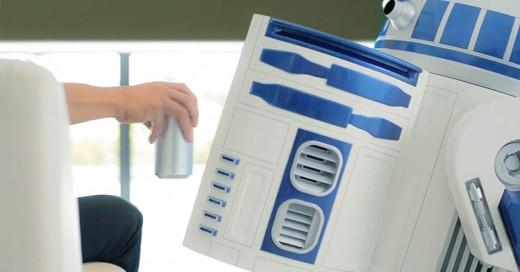 Cerveza fría a control remoto al estilo Star Wars. ¡Refrigerador de R2-D2 tamaño real!