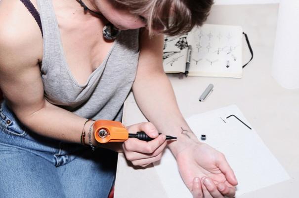 Llegó La Máquina Para Hacerte Tatuajes En Casa Offt En Taringa