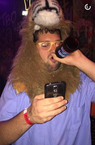 Disfraz del dentista que mató al león Cecil