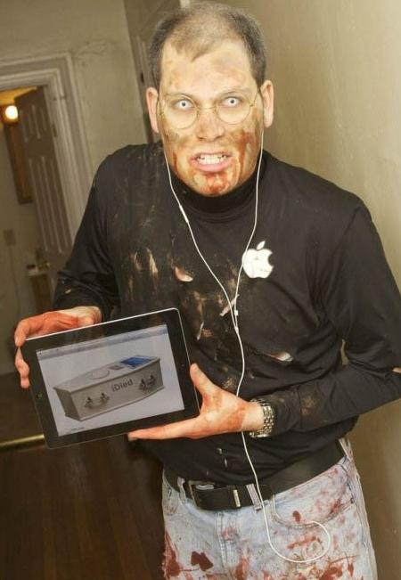 disfraz de Steve Jobs zombie