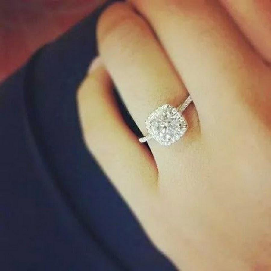 Porque el anillo de compromiso es de diamante