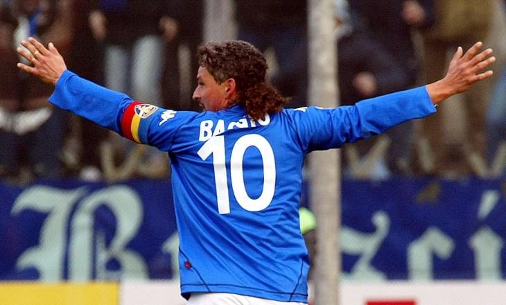 Roberto Baggio celebra