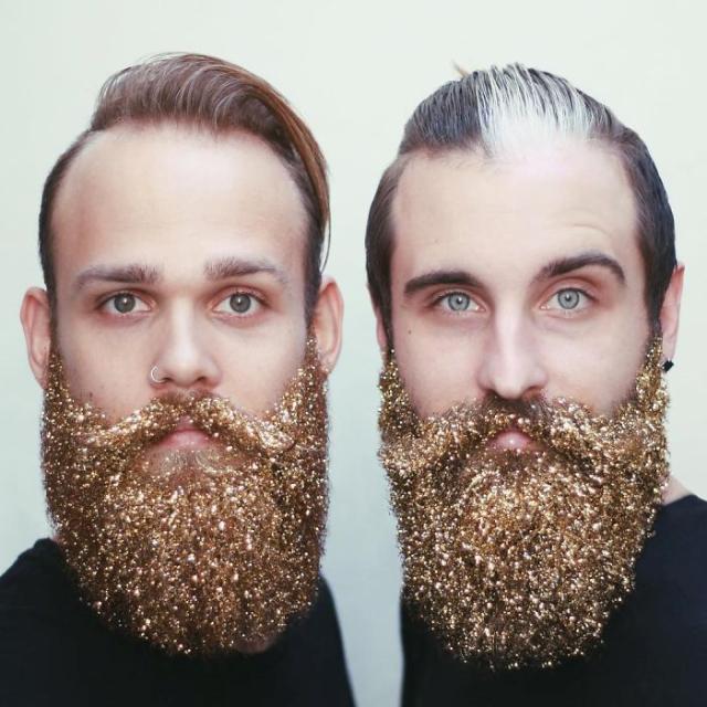 Hombres con barbas doradas