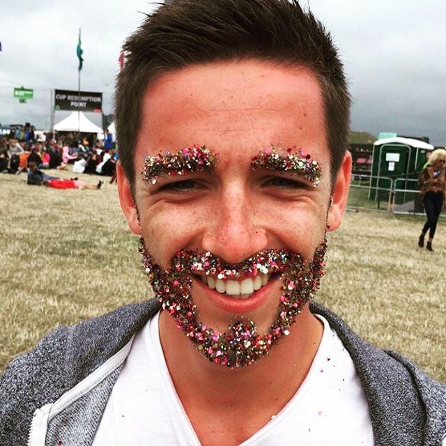 Barba con confeti