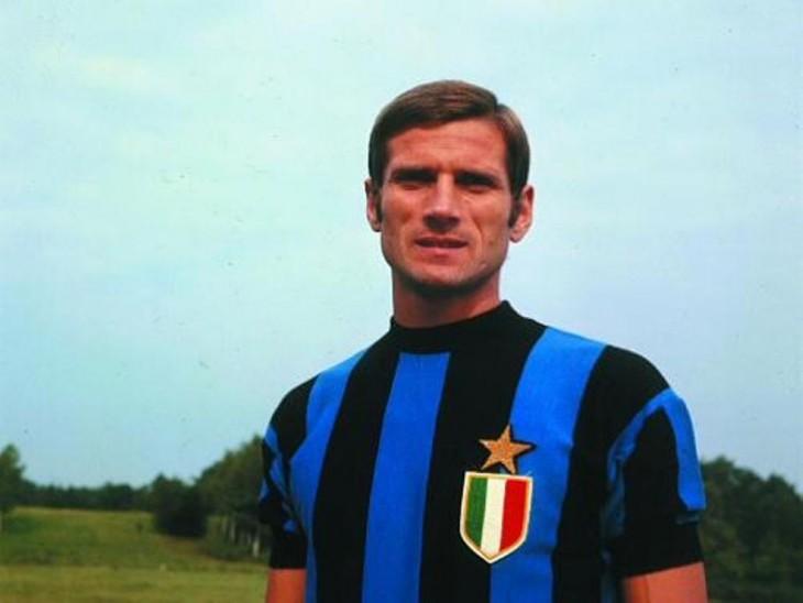 Facchetti con playera del Inter