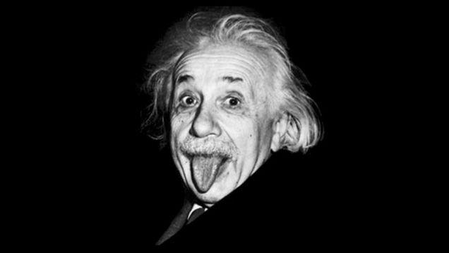 Einstein saca la lengua