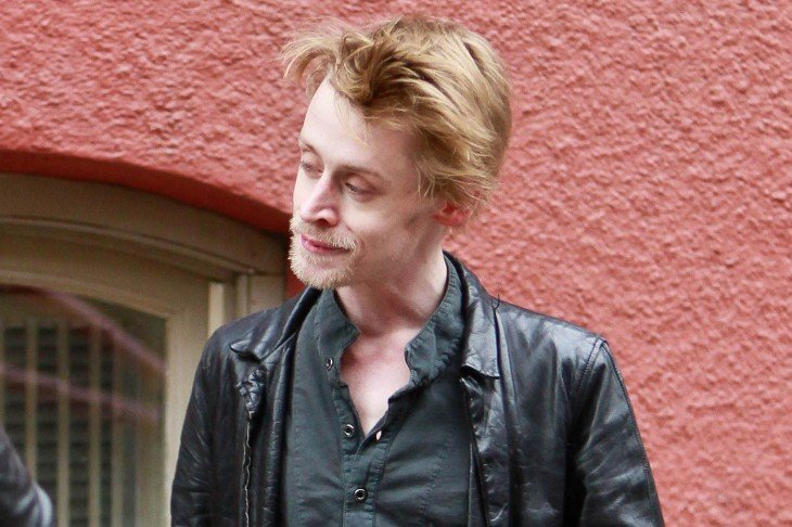 Macaulay Caulkin con barba