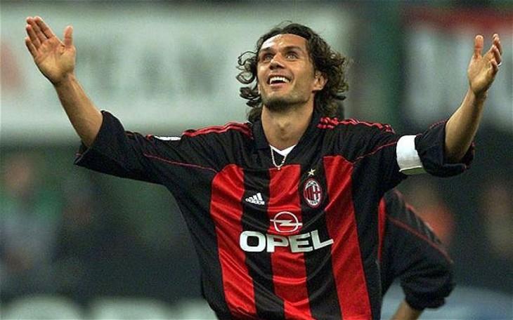Paolo Maldini celebra