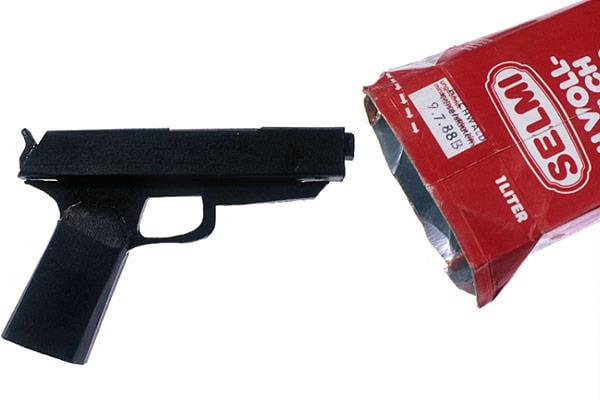 Pistola falsa hecha en la cárcel