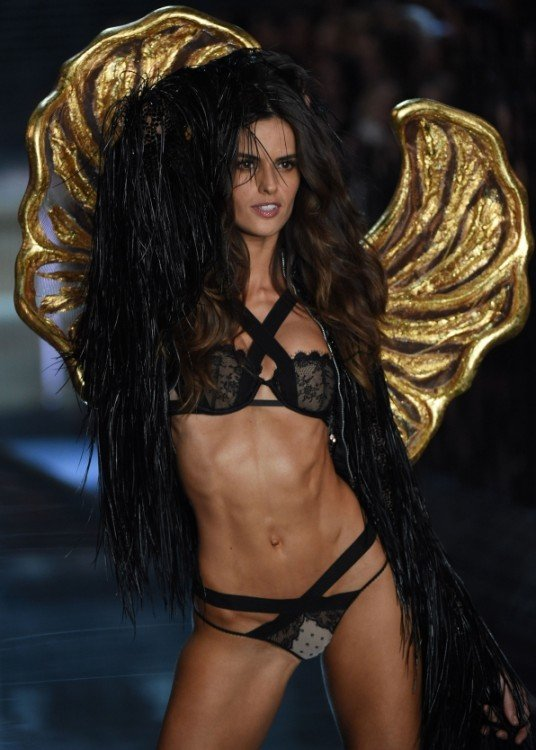 izabel goulart angel de Victoria's secret fashion show desfile