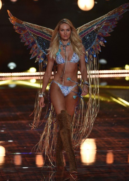 modelo de angel Victoria's secret fashion show desfile