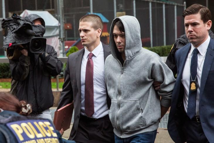 El FBI arresta a Martin Shkreli, lo acusa de fraude