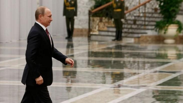 Vladimir Putin caminando