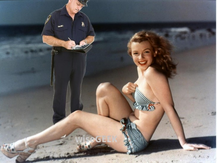 policia, Photoshop de Marilyn Monroe