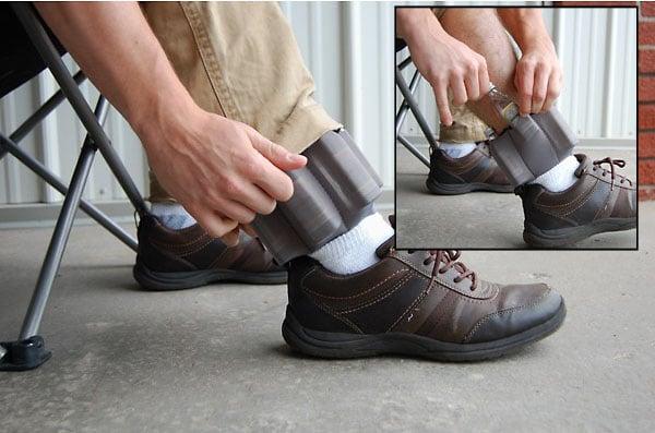 banda elástica para el tobillo ideal para portar mini botellas de licor
