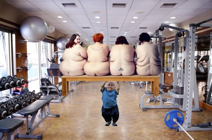 mujeres en una banca, Photoshop Vern Troyer