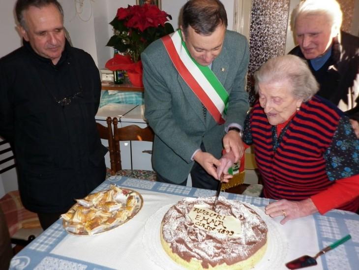 festejo 116 de la abuelita de Europa