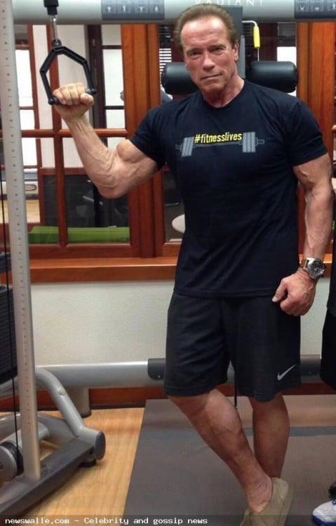 Arnold entrenando para su próxima película