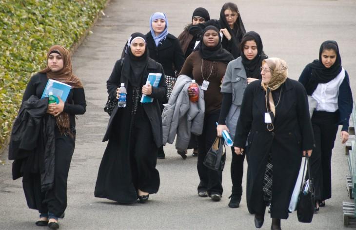 mujeres de emiratos arabes unidos