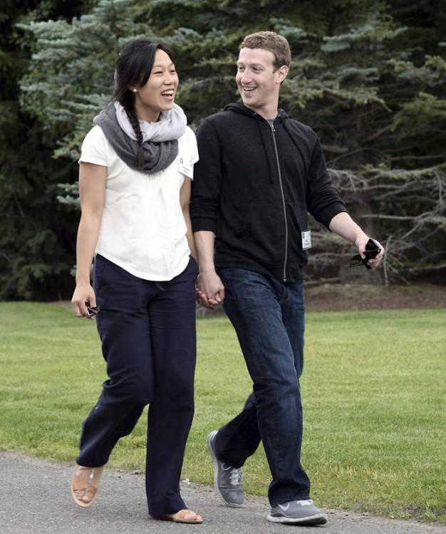 Zuckerberg con su esposa
