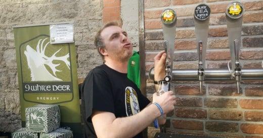 Este Pub de Irlanda encontró una ingeniosa manera de vender medias pintas de cerveza